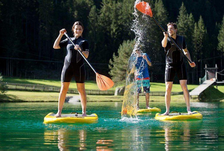Stand-up paddeling am See in Flachau